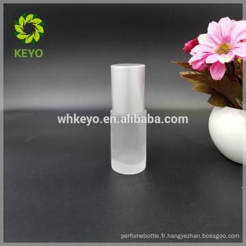 Bouteille liquide de base de sérum de l'oeil 30ml bouteille vide de crème de visage avec la tête de pompe en aluminium