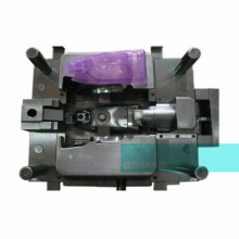 High tonnage plastic injection mold