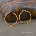 Frauen-Edelstahl-verdrehter runder Kreis-Gold überzogener Band-Ohrring