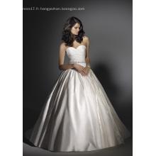 Robe de bal sweetheart chapelle train satin perles robe de mariée a volants