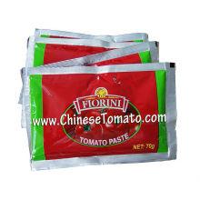 Pasta de tomate em saquinho