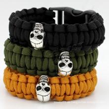 Gets.com 2015 heißer Verkauf paracord Schädelarmband für Männer