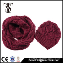 2016 New design high quality warm beanie and loop scarf