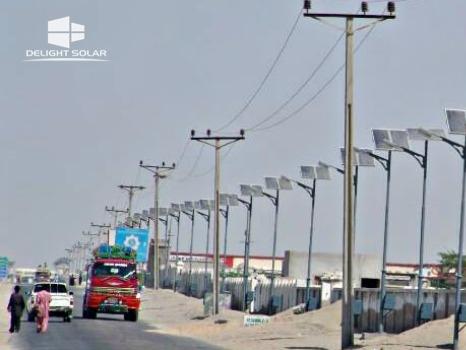 Solar-powered-streetlights_