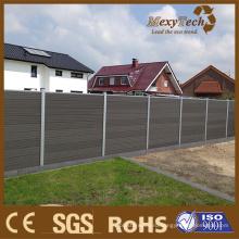 Деревянный забор для дома двор