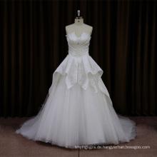 Klassisches Satin-Perlen-Hochzeits-Kleid