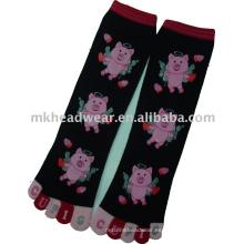Lindo calcetín de cinco dedos de algodón con la impresión animal