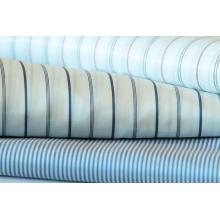 Doublure en mousse polyester, teintée de fil