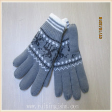 woman deer patttern acrylic knitted gloves