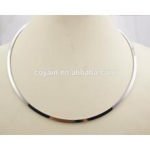 Estilo europeo 316L de acero inoxidable de plata simple círculo redondo Torques para las mujeres