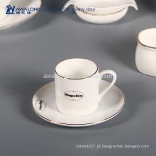 Caneca original do copo de café de Nescafe do design, copo de café cerâmico fino e Saucer