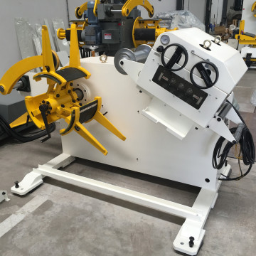 Decoiler and straightener Machine