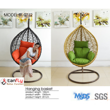 Garden indoor & outdoor hanging egg shaped round wicker swing chair.