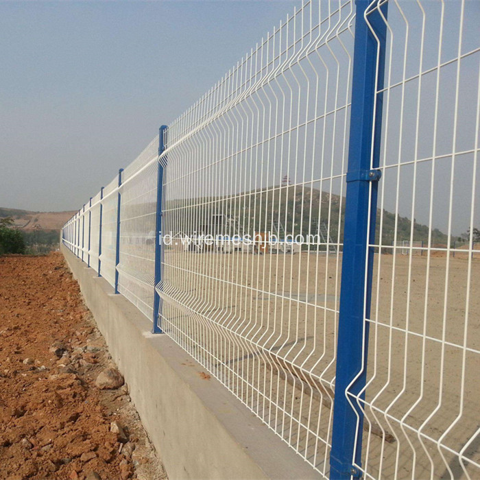 PVC Dilapisi Welded Wire Mesh Fence Panels