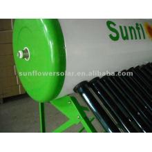 Calentador de agua solar con calentamiento eléctrico