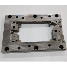 Quadratische Formteile aus Stahl