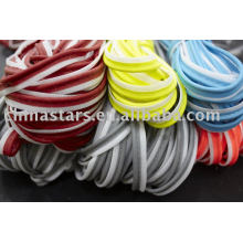 Reflektierende Bindung in sortierter Farbe und sortierter Textur