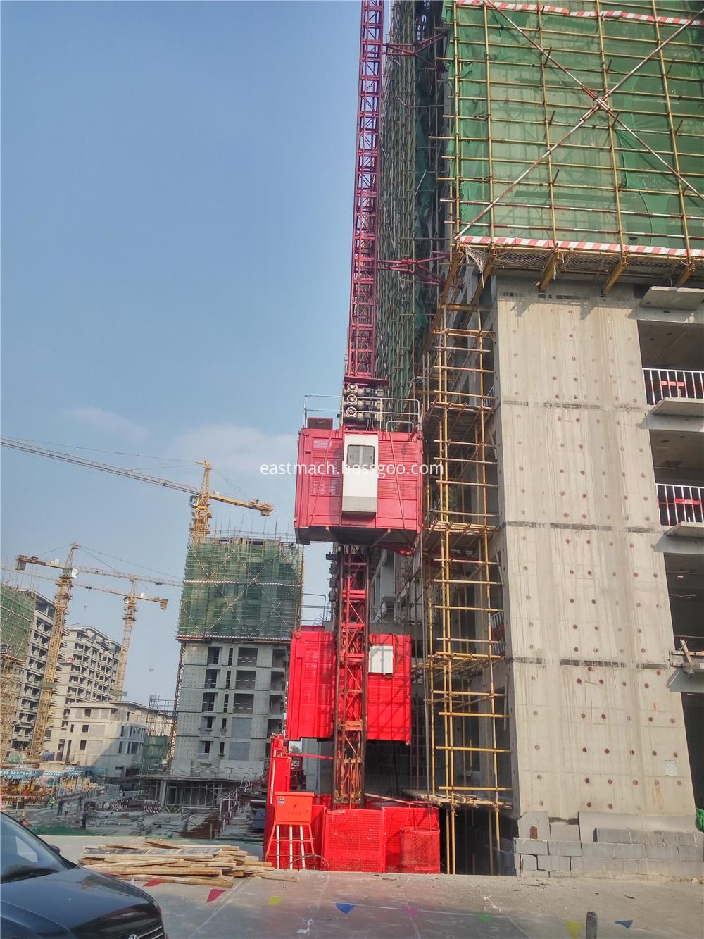 Multi Speed Sc200 Construction Building Hoist Lift Single Cage 2t