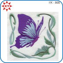 Insigne exquis de broderie de papillon de détail fin
