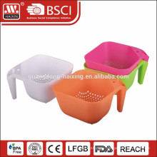 Colorful food grade plastic colander with handle