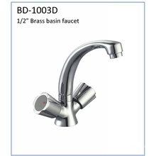 Bd1003D Double Knobs Brass Kitchen Faucet