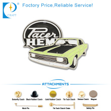 Hot Sale Souvenir Enamel Pin Badge in Old Car Shape with Green