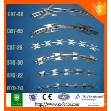 Alibaba diamant ailette treillis en treillis métallique / treillis soudé treillis métallique / pvc recouvert rasoir barbelé