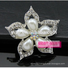 charming flower crystal pearl brooch