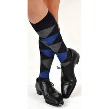 Fourniture en gros personnalisation Mans Knee High longues chaussettes bas
