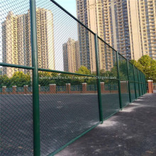 Barrière de terrain de sport en PVC à mailles de chaîne verte