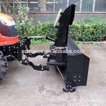 Bauernhof Traktor Front montiert Schneefräse