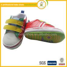 Alibaba al por mayor 2014 zapatos de bebé de cuero reales suaves