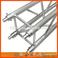 Espita de aluminio curvo y truss de iluminación