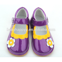 Китай завод обувь элегантная детская обувь оптовые скрипучие туфли