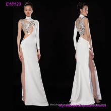 Uma manga longa elegante broadside alta dividir o vestido de noite jantar