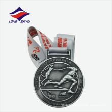 Medalla de metal de deportes antiguos imitación universidad
