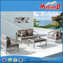 Gemütliche Polywood Gartenmöbel mit Aluminium-Rahmen