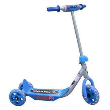 Moda Color azul bebé Scooter