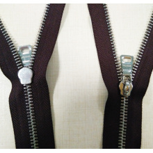 Novo material Metal Fashion Zipper en aceiro inoxidable