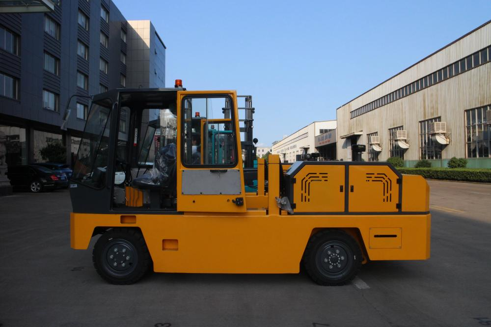 Side Forklift In Yellow