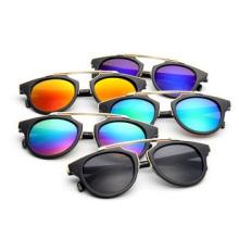 Os óculos de sol dos esportes brilham a cor, óculos de sol personalizaram o logotipo