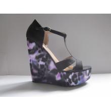 Женщины мода туфли на танкетке женские сандалии (HCY03-056)