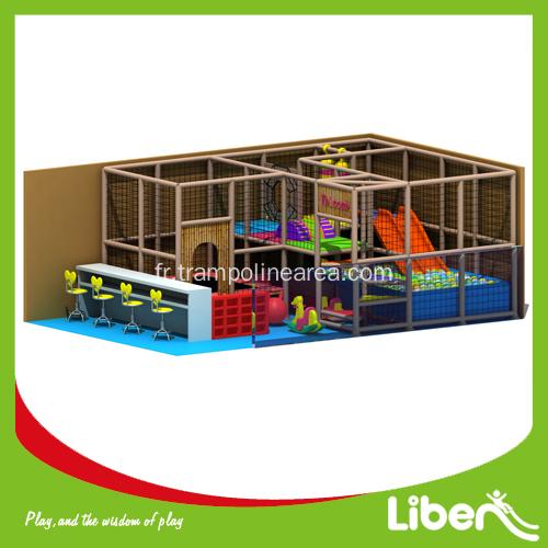 aire de jeux couverte pour enfants. Black Bedroom Furniture Sets. Home Design Ideas