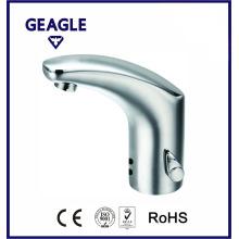 Grifo del sensor del lavabo del agua caliente y fría con el certificado CE ZY-8700