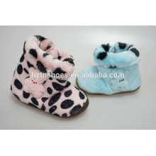 1,0 Dollar Lager Schuhe wärmer fuax Pelz Babys Innen Pantoffel Stiefel mit Teddybär Decro. Plüsch Baby Winter Stiefel Innen