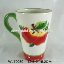 Decorativas mano pintura taza de té de cerámica con patrón de manzana