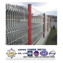 Alta seguridad que dobla la cerca soldada con autógena Tiangular