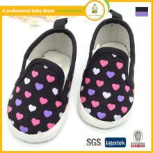 Fabricant en Chine de haute qualité en gros de nouveaux modèles de chaussures de toile pour enfants