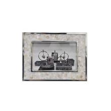Cadre de photo en métal moulé fait main avec River Shell
