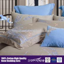 2017 amazon venda quente de alta qualidade cetim de alta densidade coton cinco início do hotel linho bordado padrão de flor conjunto de cama